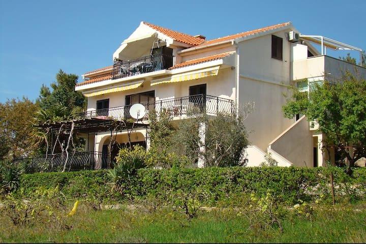 Apartments Davorka, Pag, Šimuni, Croatia (3) - Šimuni - Villa