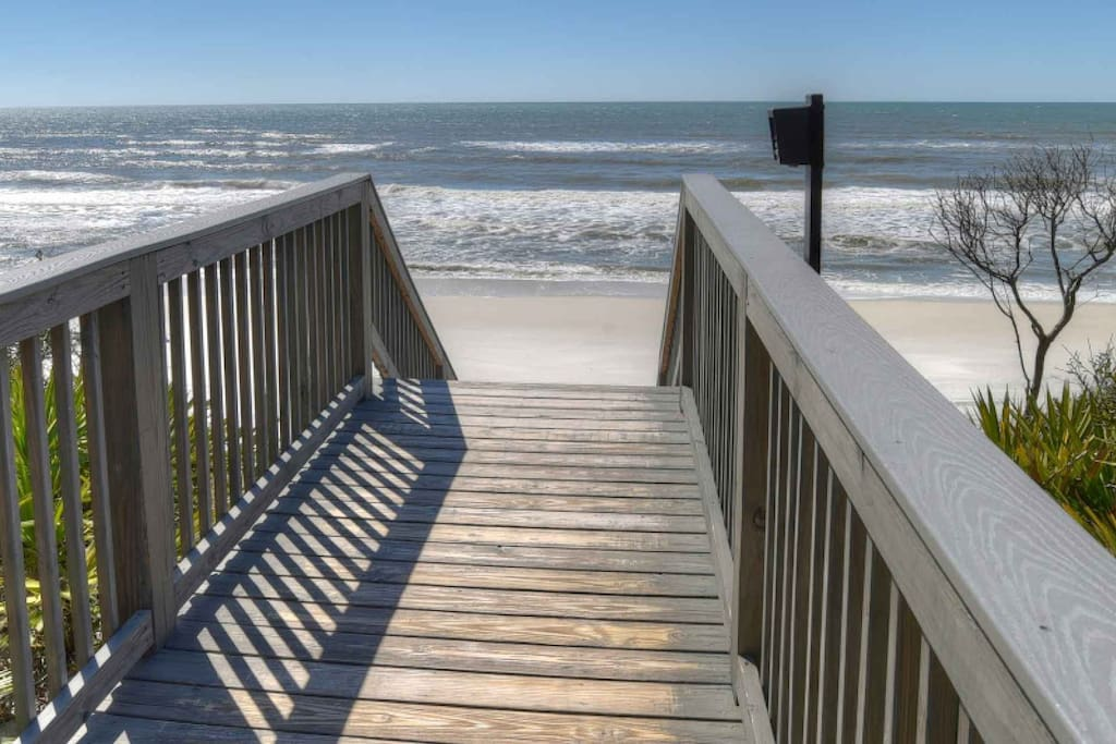 Just a short walk to the beautiful white sand beaches of Walton County
