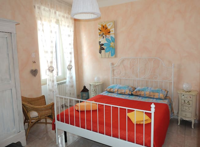 Charming house with terrace and steam bath - Tivoli - Leilighet