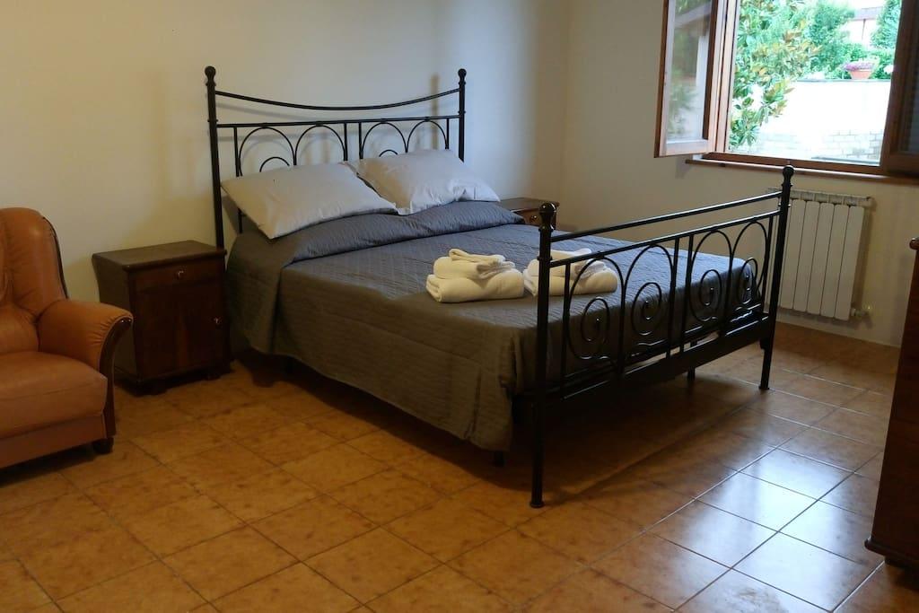 camera 1 letto matrimoniale