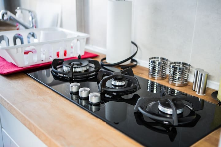 Gas cooktop for delicious hot meal preparation of your choice.