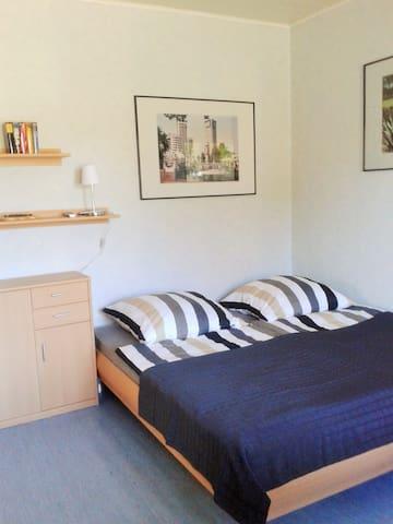 Doppelbett 1,80 x 2,00 m