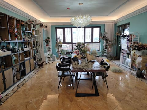 银凤湖畔碧桂园【标准间】标价为粉色的这间。人多可以主页看整套房