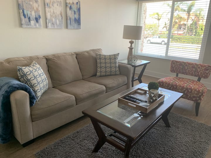 Townhouse minutes from the beach!