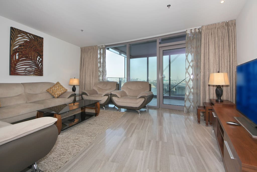 Signature Holiday Homes Luxury 2 Bedroom Apartment D1 Residences Apartments For Rent In