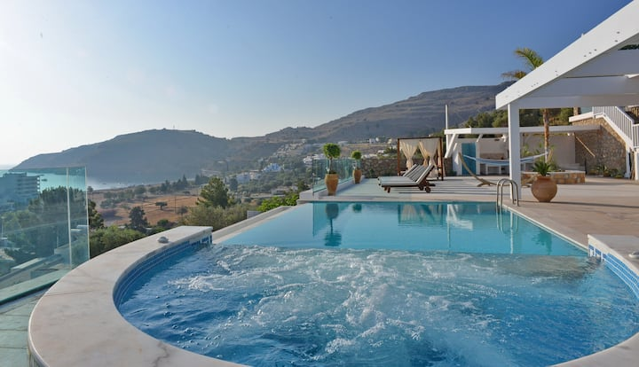 Modern Luxury Villa In Lindos with Pool & Jacuzzi