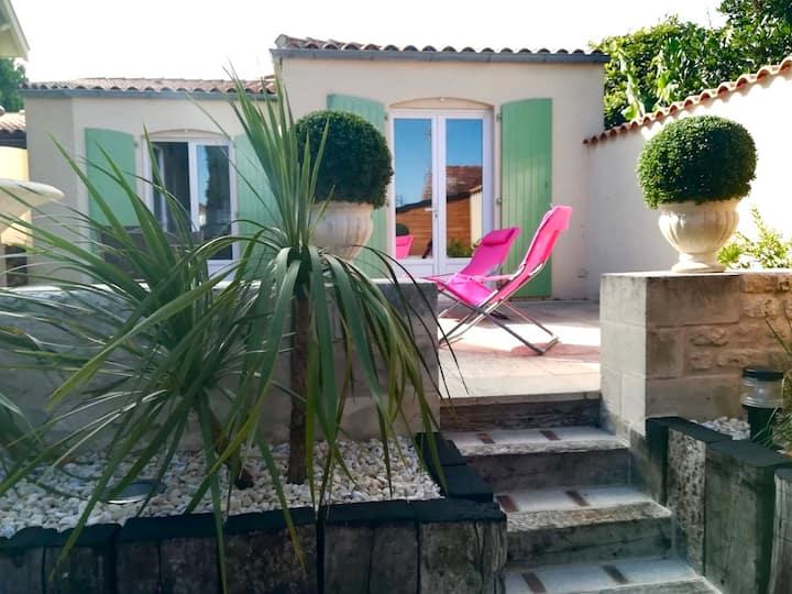 Studio terrasse à 50 m de la plage