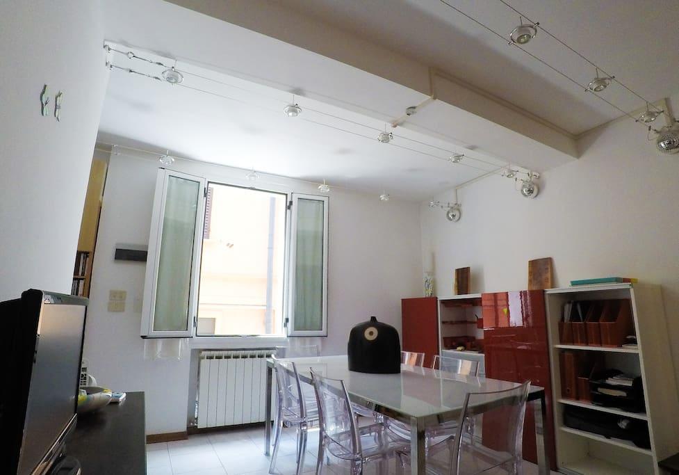 Posti letto privati in accogliente e moderna casa for Casa moderna bologna