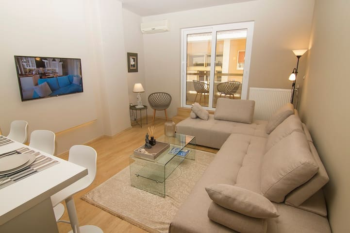 Comfortable Deluxe Apartment in Central Athens