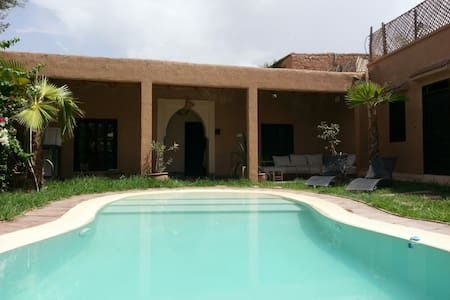 Bungalow 4 pax with pool 25 minutes from Marrakech - Oumnass - 小平房