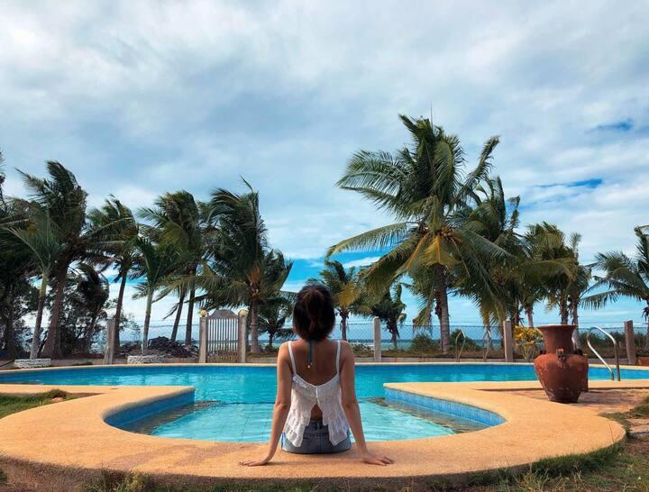 Villa RJ seaside  (圣•方壶海景墅)德式木屋顶W屋双单人床。跳岛游零距离出海