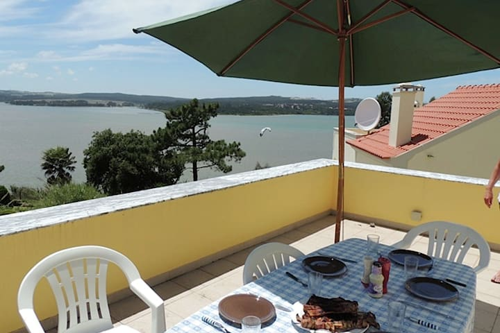 Comfortable villa with pool, close to the Óbidos lagoon and a beautiful beach