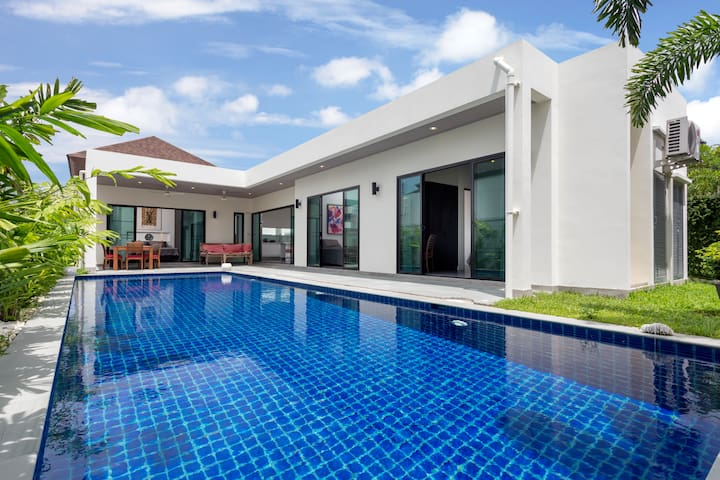 Beautiful Boutique Villa with big Pool, 3br