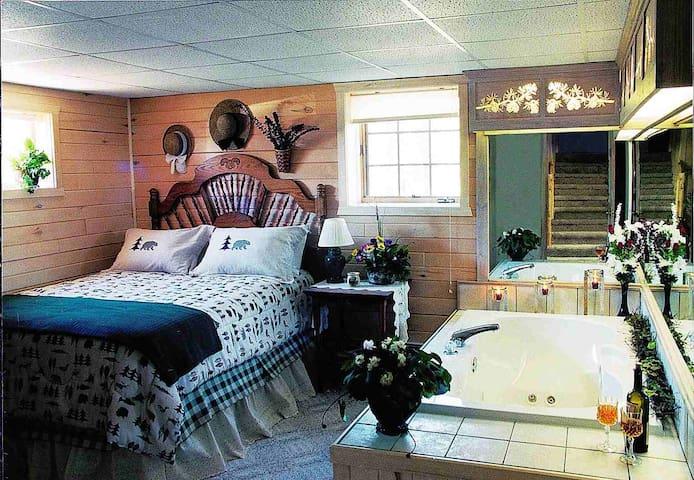 Hundred Acre Woods B & B, Master Bear Room