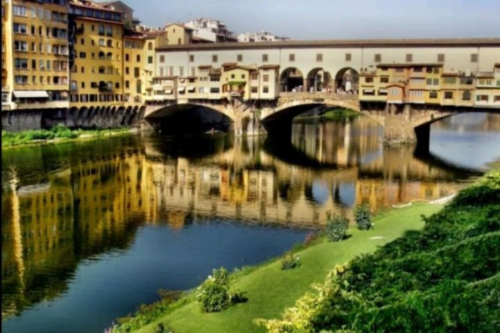 WONDERFUL ROOM at Ponte Vecchio!