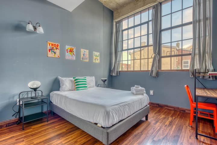 Sosuite | Playful Loft | 2-Bed 2-Baths + Paid Parking