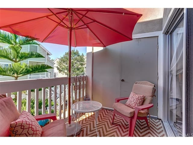 Ocean View condo on a Year's lease