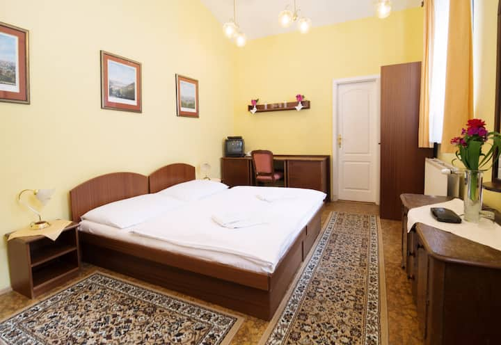 Retro suite fir two near to Charles bridge