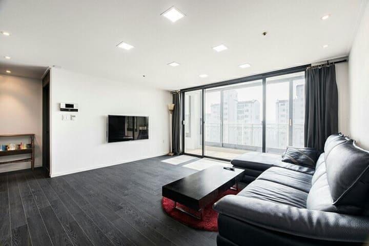 [여성전용] 깔끔한 아파트! •개인실! 개인욕실!