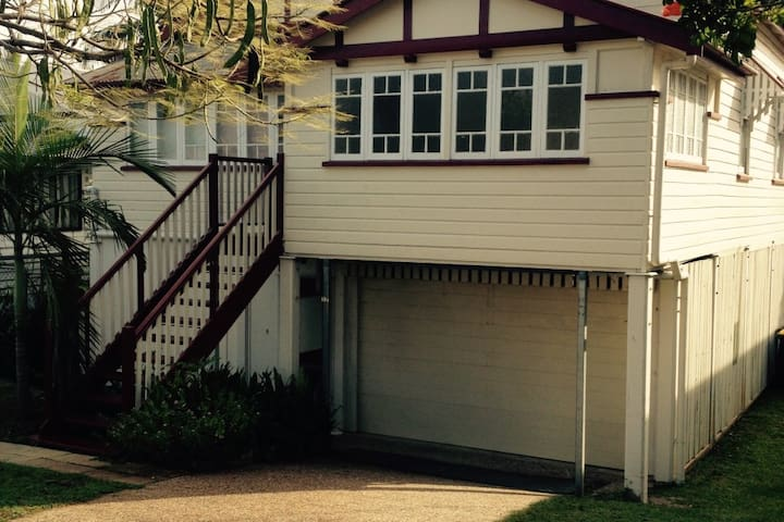 Private Room & Convenience in Brisbane p3 - Lutwyche - Huis
