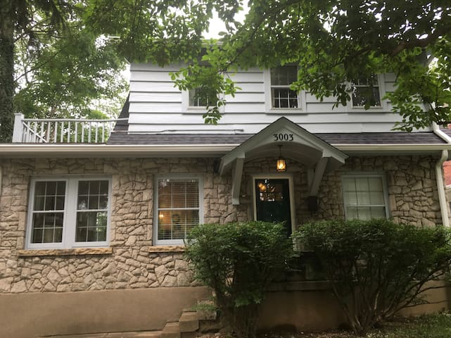 Charming 1920's Stone Cottage in Crescent Hill
