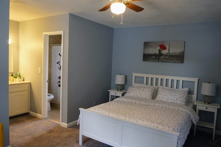 Modesto Cozy Bedroom 1 with private bathroom