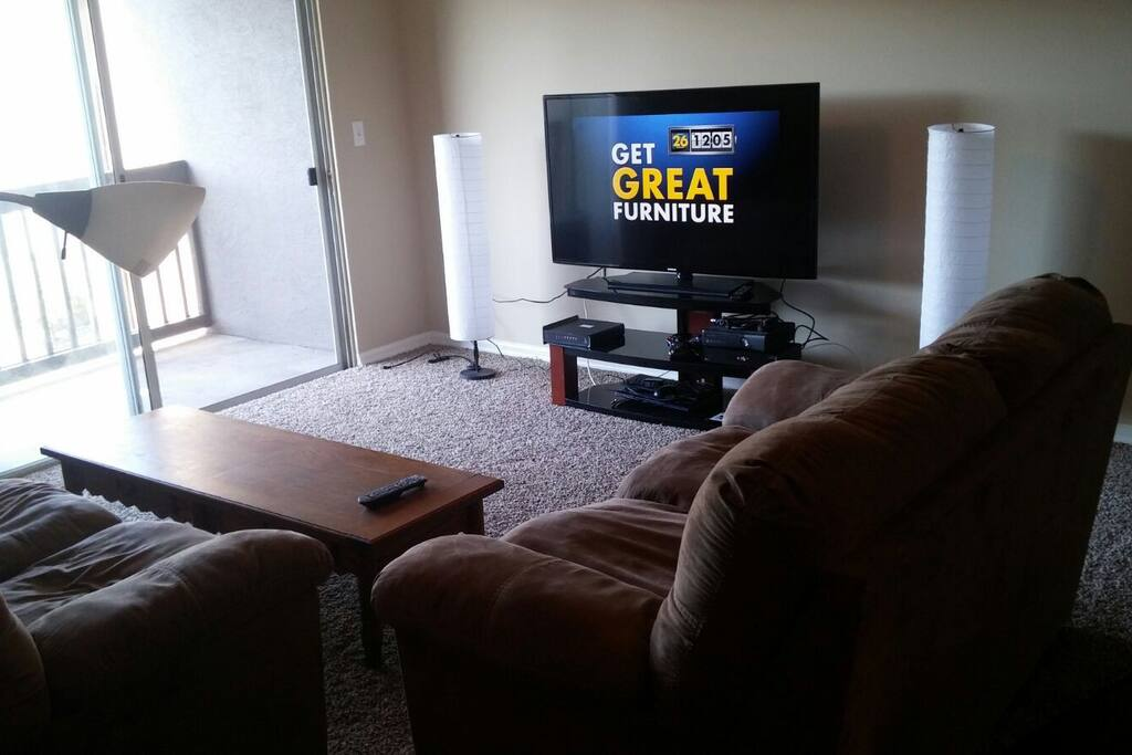 Living room area + TV
