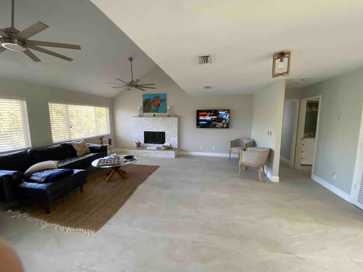 Walk 2 Beach 3bdrm  785 Rabbit Rd House Sanibel