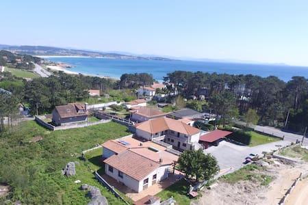 Loft con piscina a 150m de la playa - O Grove