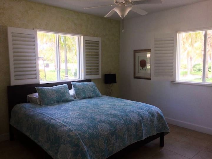 Beautiful Bimini Bay 2 Bed 1.5 Bath Condo