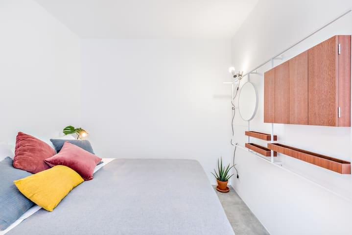 Pink Suite -  Bedroom (European King Size bed)