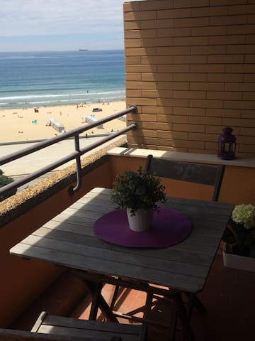 Charming Oporto beach apartment