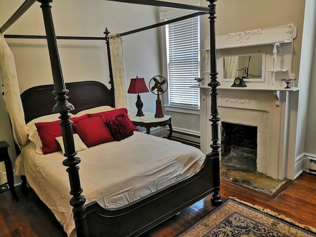 Historic Old Town Bluffton Suite