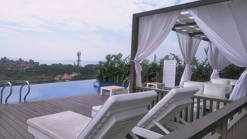 Lux Boutique room with rooftop pool in Dona Paula