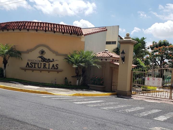 Merliot - F. Asturias - Casa amplia linda y segura