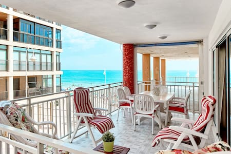 Bonita vivienda con impresionantes vistas al mar.