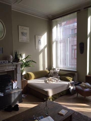 Bedroom with terrace / St Gillis