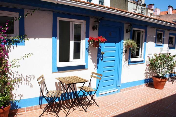 Lisbon Charming Sunny Studio & Terrace 3
