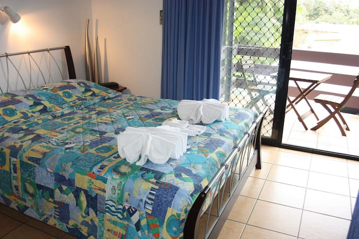 Studio Unit in Central Airlie Beach.