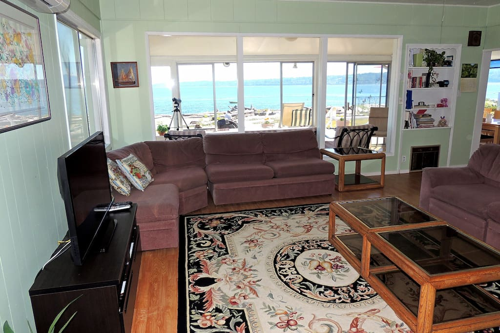 Living room with lot of view