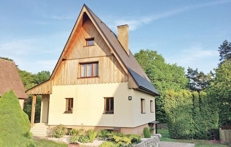Holiday cottage with 3 bedrooms on 149 m² in Dobren