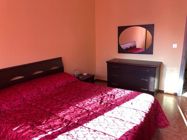 Camera matrimoniale (uso singolo oppure doppio)