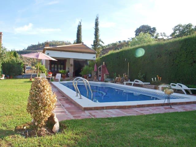 Villa para 5 en plena naturaleza. - Algodonales - Huis
