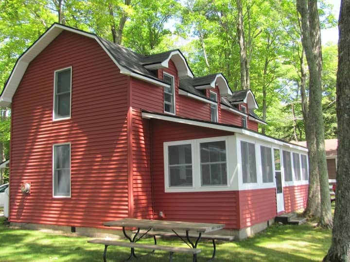 COPPER WATER COTTAGE (Carp Lake, MI):Close to Mackinac Bridge