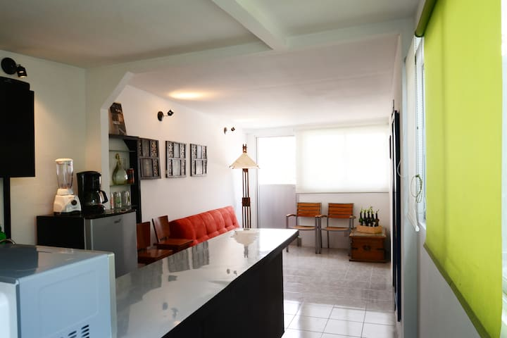 C13. PRIVATE apartment with BALCONY, 4 people