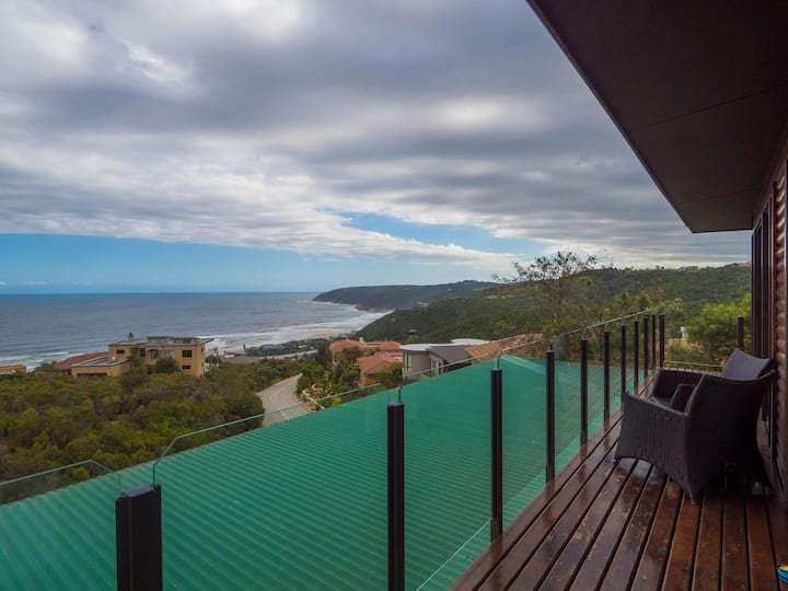 Ocean view self catering apartment in Garden Route