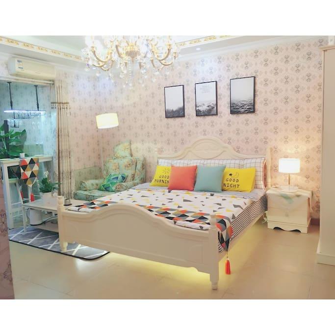 温馨宽敞的客厅
