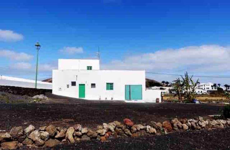 CASA TIPICA CANARIA, Tinajo, Lanzarote.