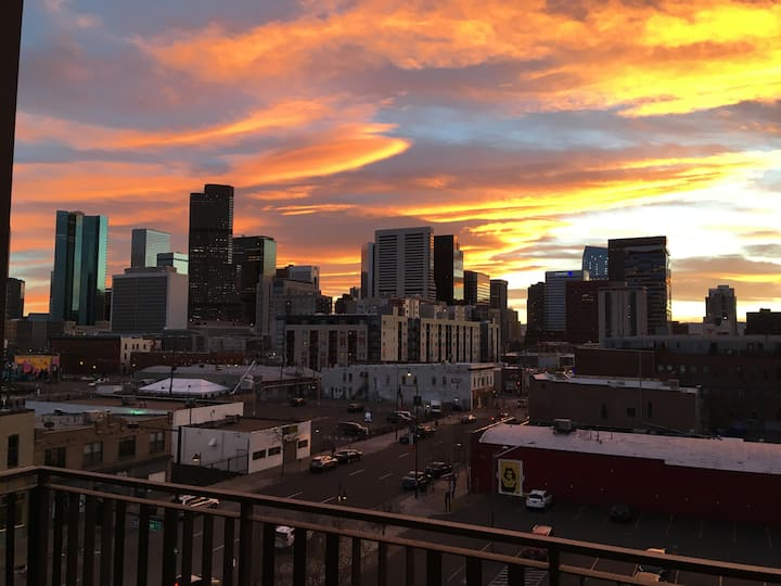 Beautiful Furnished Apartment Downtown Denver
