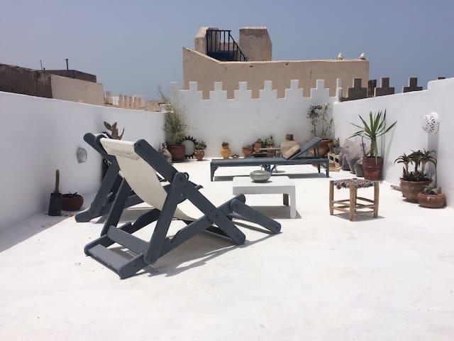 Birds Nest Apartment in Medina!